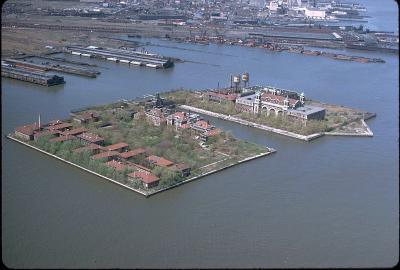 Detail Sur Le Voyage A Ellis Island