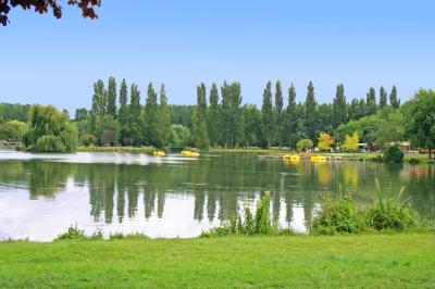Plan d 39 eau de bernouet activit s de loisirs france saint jean d 39 ang ly visiter et voir - Piscine atlantys st jean d angely ...