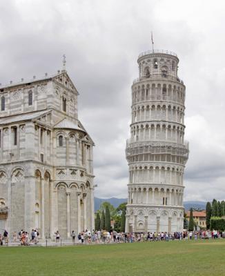 La tour de pise monument italie pise visiter et voir - La tour de pise se redresse ...